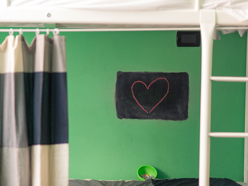 Particolare della Camera Verde, ostello Manena